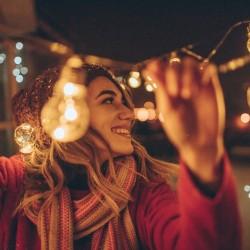 Пари и радост – тази Коледа с Visa