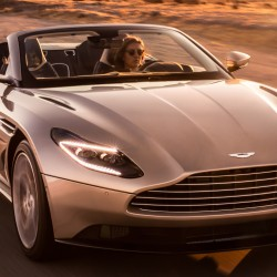 "Aston Martin не признават ""тавани"" с новата си DB11 Volante - 6"