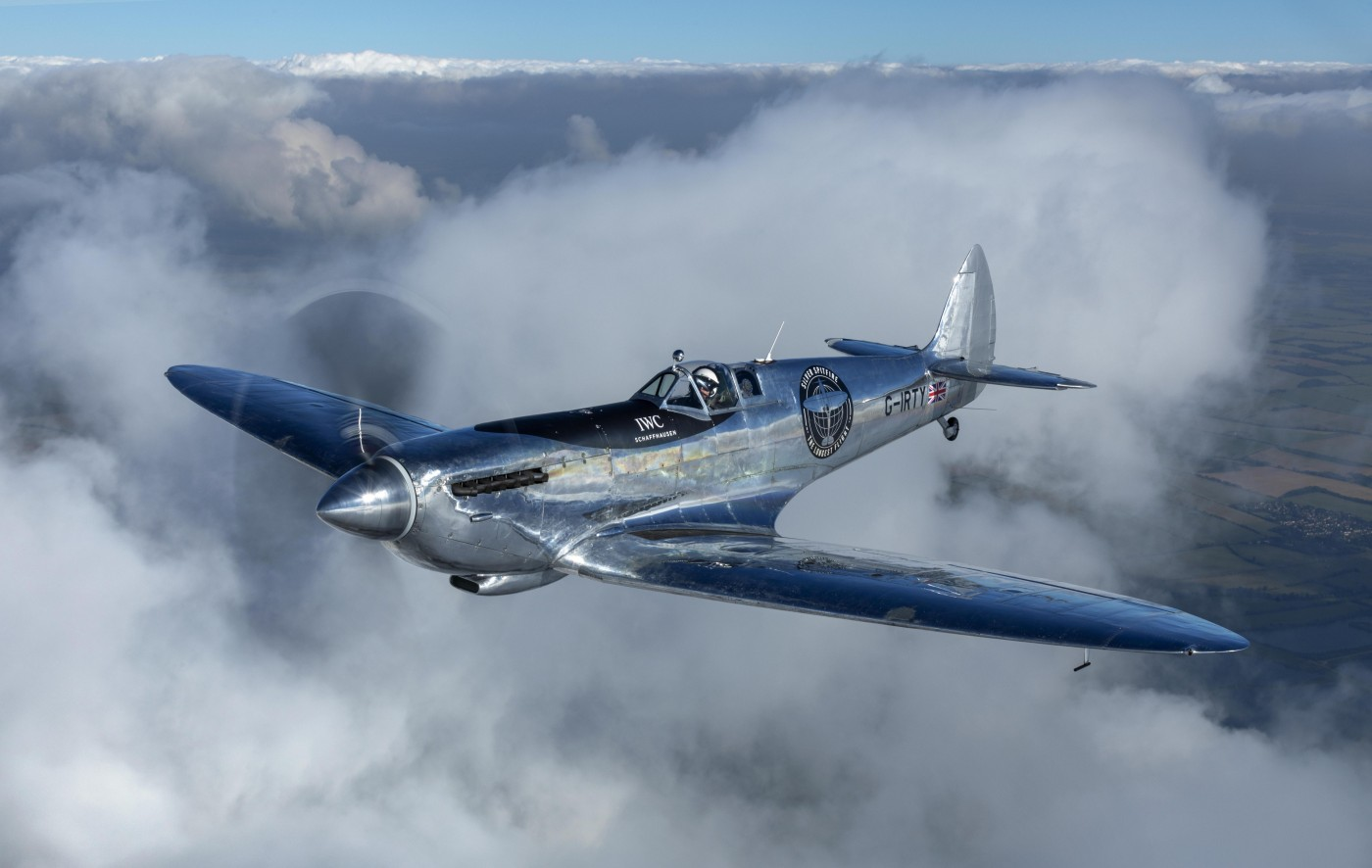 """""""Silver Spitfire"""": Restoration of iconic aircraft complete"""