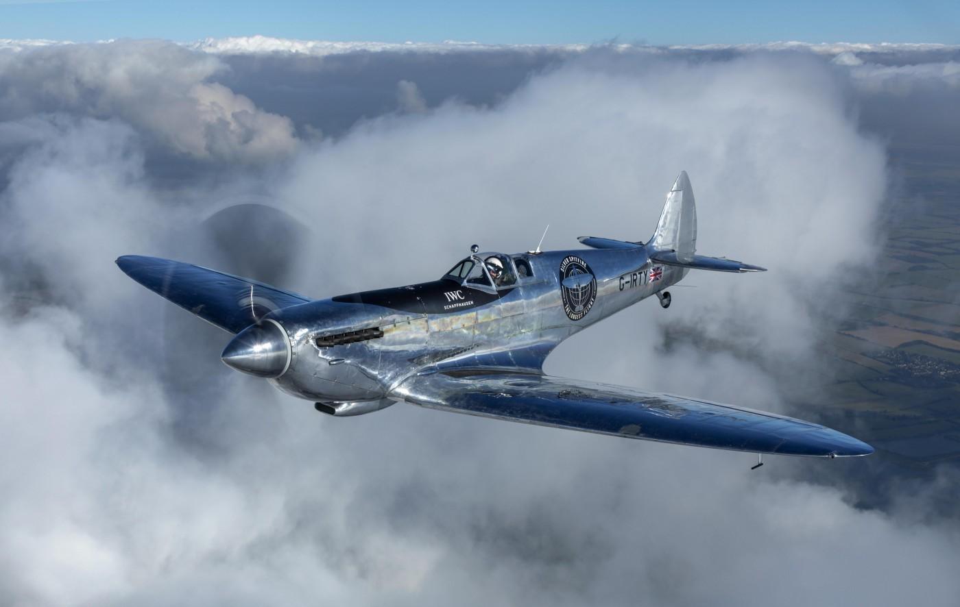Реставрираха легендарния самолет Silver Spitfire