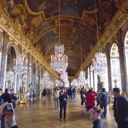 The Selfie Stick has been Banned in Versailles