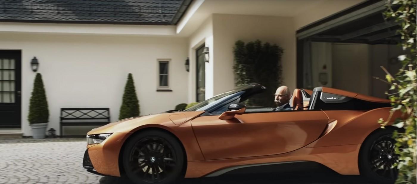 BMW с шеговит поздрав към оттеглилия се CEO на Mercedes (ВИДЕО)
