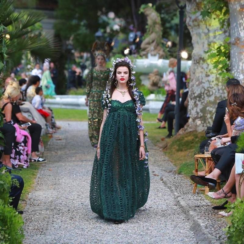 Как езерото Комо се оказа фон на три пищни ревюта на Dolce & Gabbana
