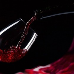 A Glass of Wine Makes You More Attractive - 1