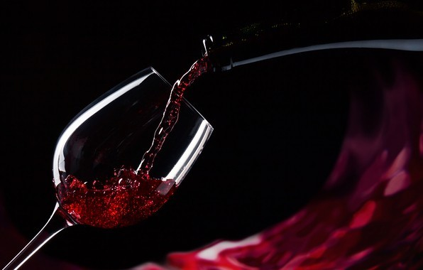 A Glass of Wine Makes You More Attractive