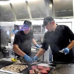 Официалното откриване на ресторант Roadhouse grill събра топ мениджъри от Италия и България - 8