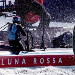 Времето в открито море тиктака в ритъма на Submersible Luna Rossa