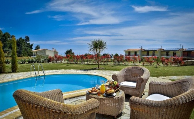 Nefeli Villas: Luxury holidays by the sea
