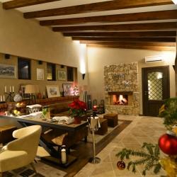 Бутиковото очарование на Zornitza Family Estate - 11