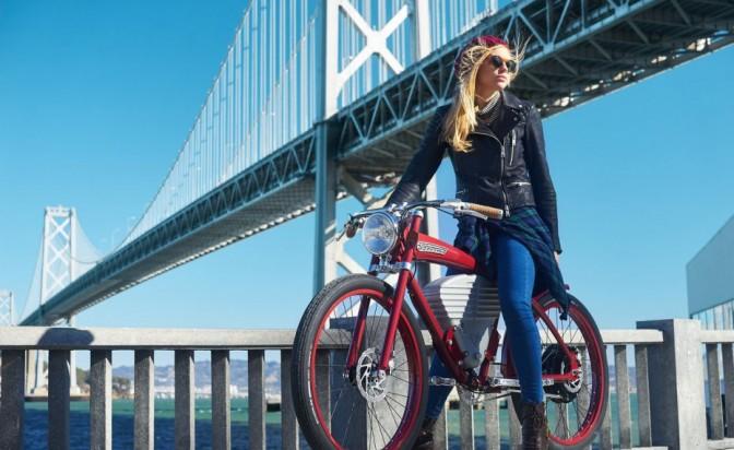 През града – стилно, на две колела