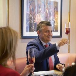 Какво коства на ресторант в центъра на София да празнува 1 година? - 10