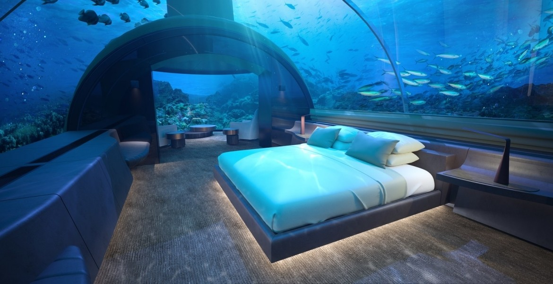 Само подводен ресторант не стига