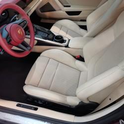 Почит към традицията: модел 911 Targa 4S Heritage Design - 8