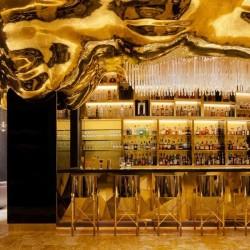Иконата на Дубай, обвита в злато - 6