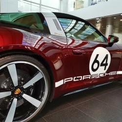 Почит към традицията: модел 911 Targa 4S Heritage Design - 11