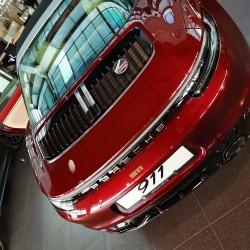 Почит към традицията: модел 911 Targa 4S Heritage Design - 13