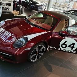 Почит към традицията: модел 911 Targa 4S Heritage Design - 14