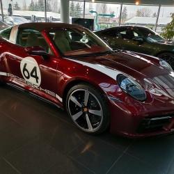 Почит към традицията: модел 911 Targa 4S Heritage Design - 15