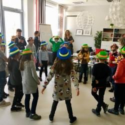 Иновативно помагало за учители с детски финансови игри и театър беше представено в Деня на будителите - 3