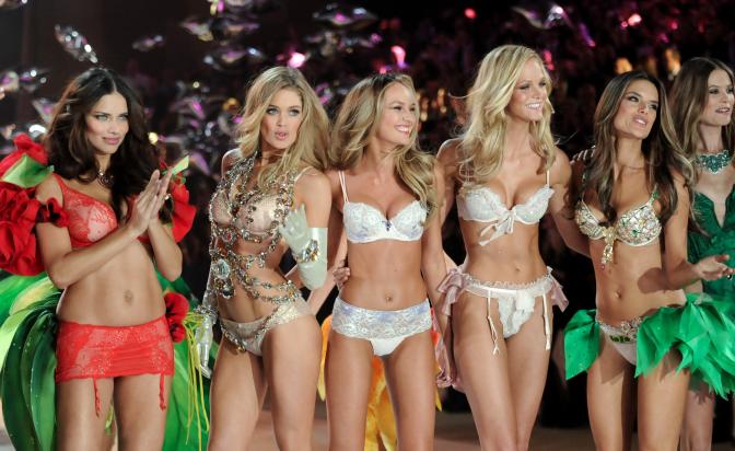 На крилете на Victoria's Secret